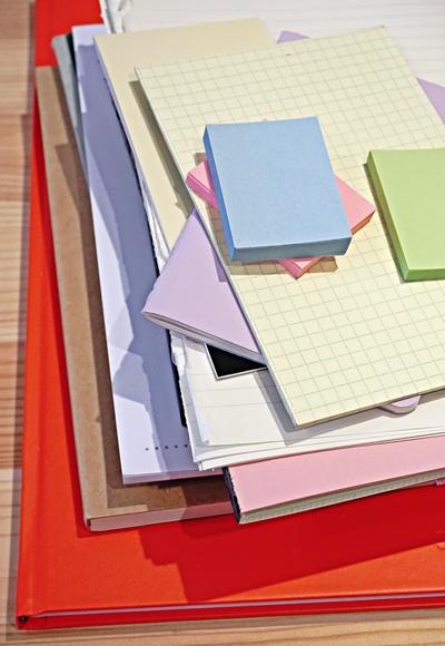 Notizbücher und Klebezettel gehören jetzt zusammen by TOC